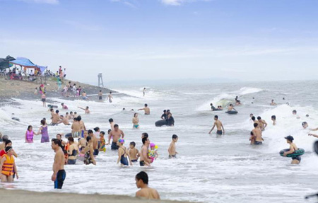 Thinh Long Beach Is Becoming Por To Tourists In The North Amount Of Constantly Increases Year By