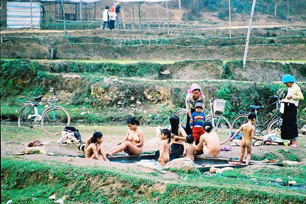 grils naked bathing vietnam