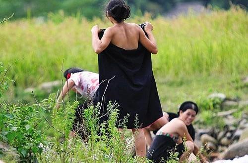 Nude Women In Vietnam 92