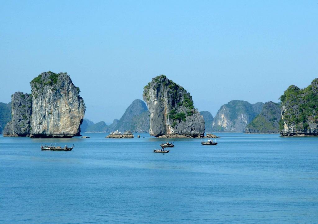 Halong-bay-Vietnam visa on arrival