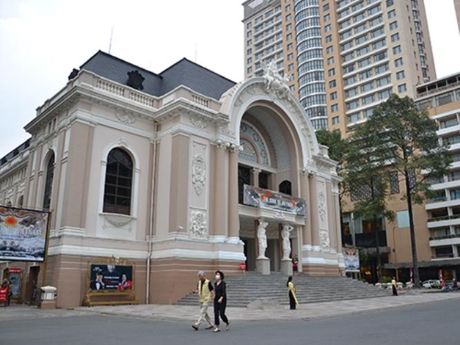 saigon opera house-vietnam visa-vienam embassy3