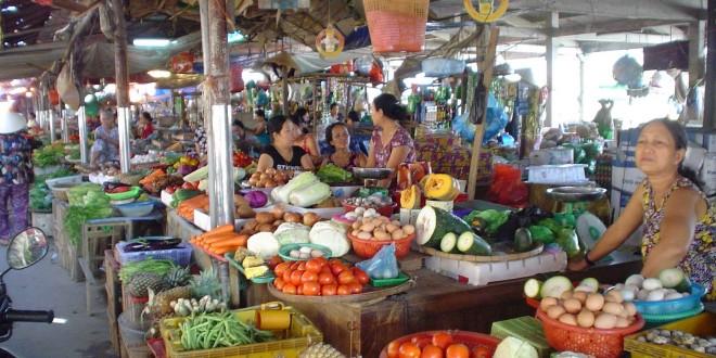 Vietnam-local-market