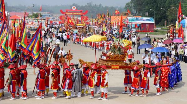 vietnamese hung kings festival