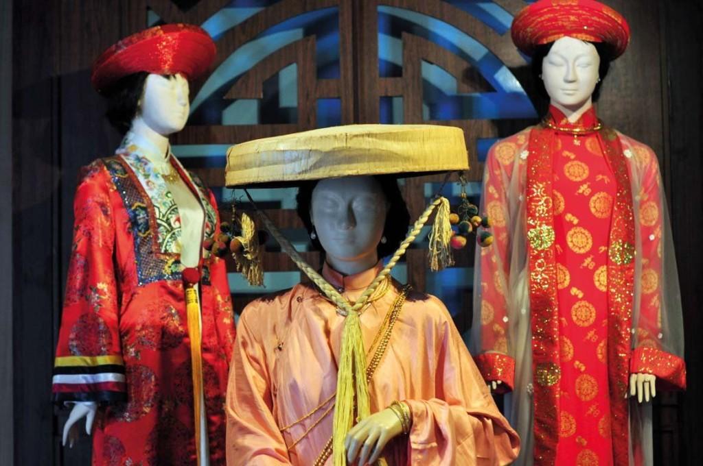 ao-dai-women-museum