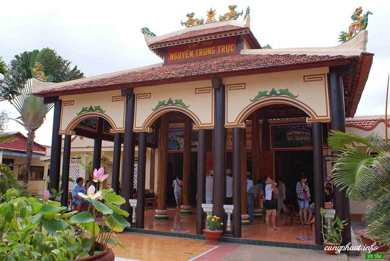 nguyen-trung-truc-temple
