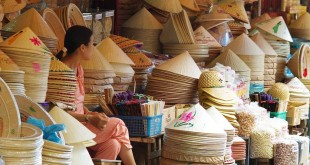 dong-ba-market-conical-hat