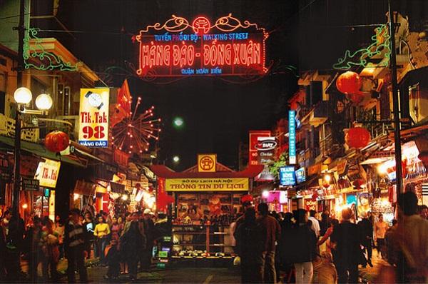 dong-xuan-night-market