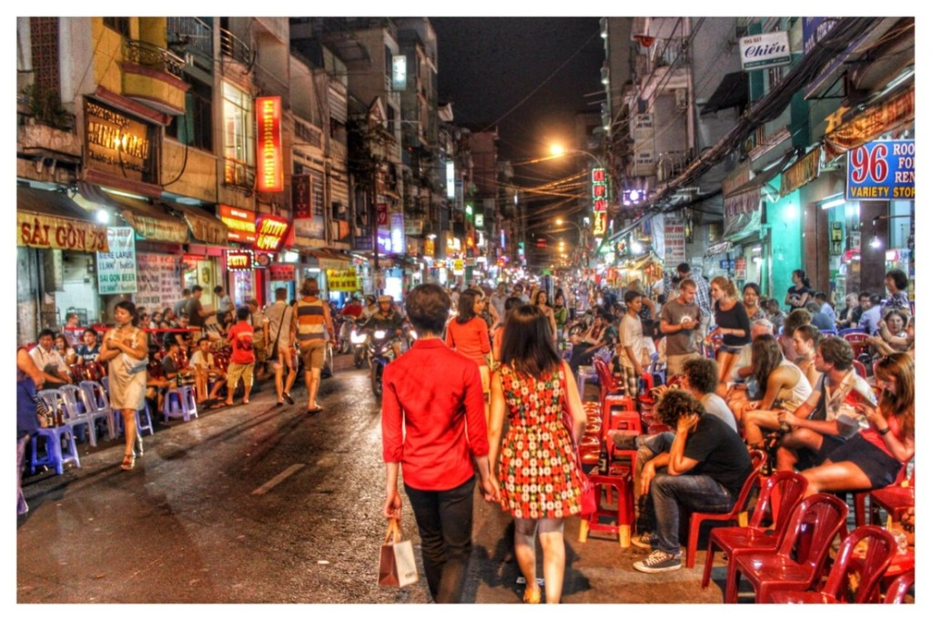 pham-ngu-lao-street