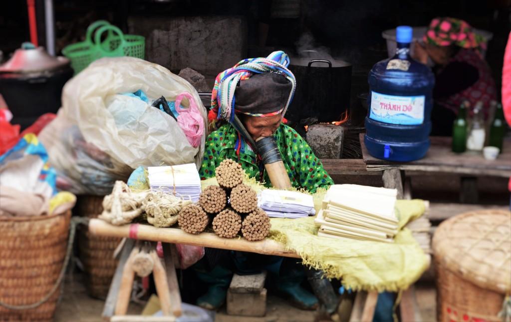 dong-van-market