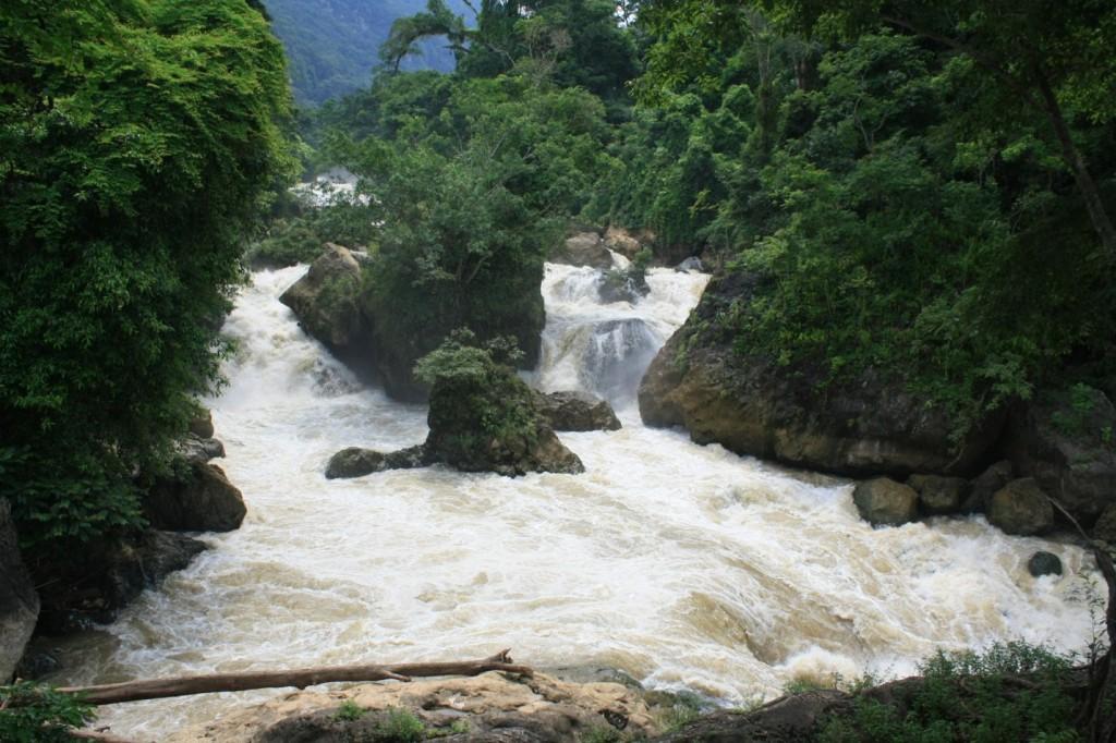 Dau Dang waterfall