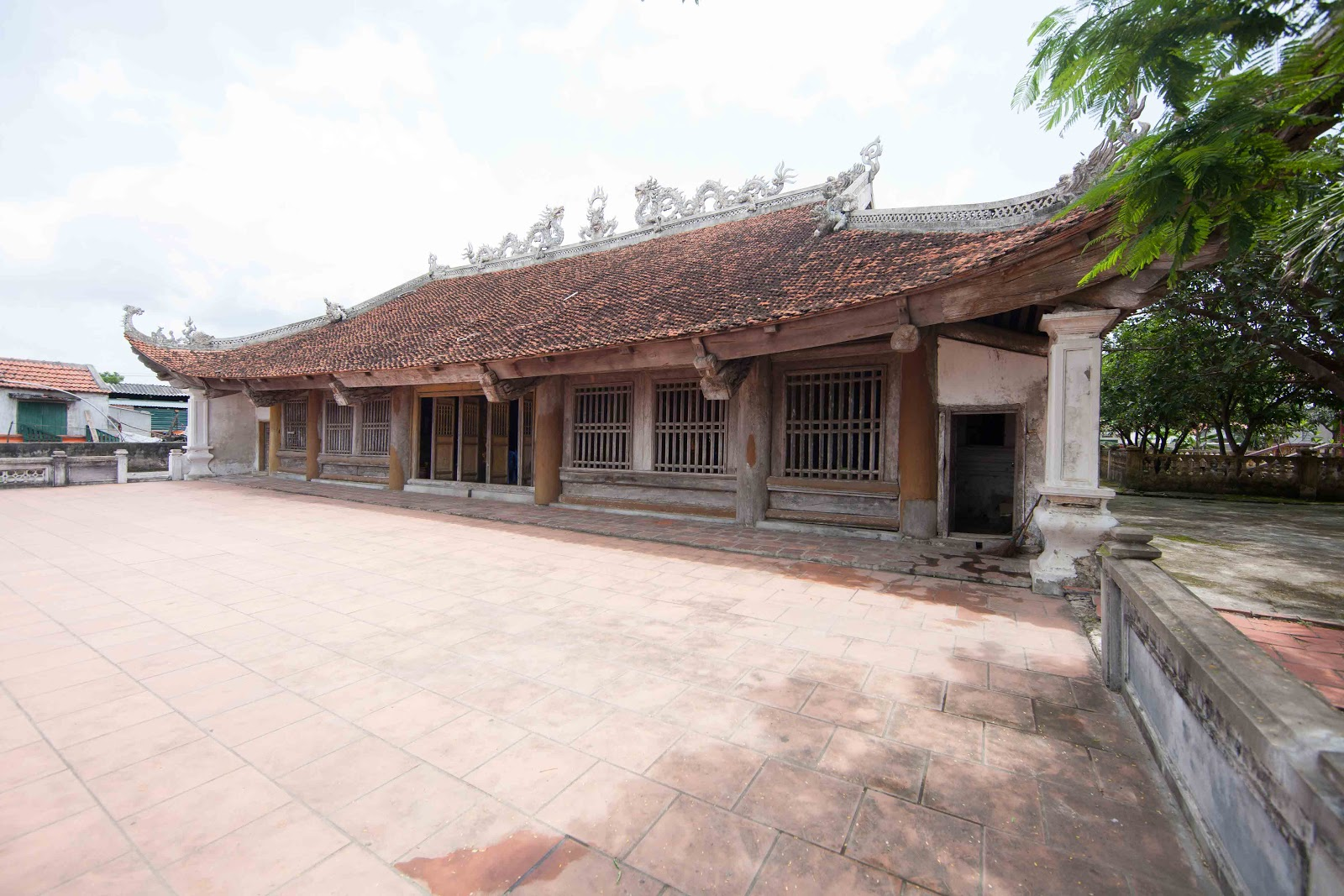 Vietnamese traditional houses travel information for for Photos of traditional houses