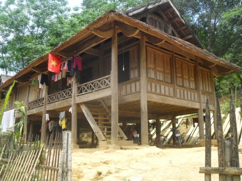thai-stilt-house
