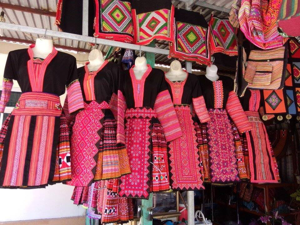 h-mong-traditional-costume