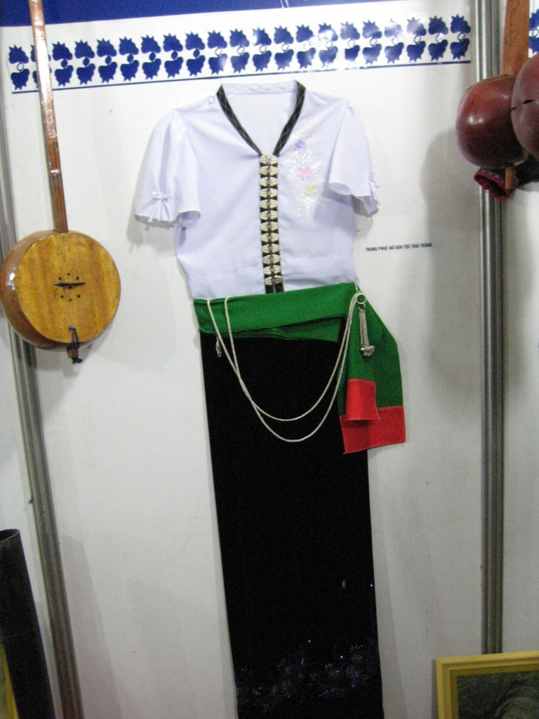 Traditional Costume of White Thai