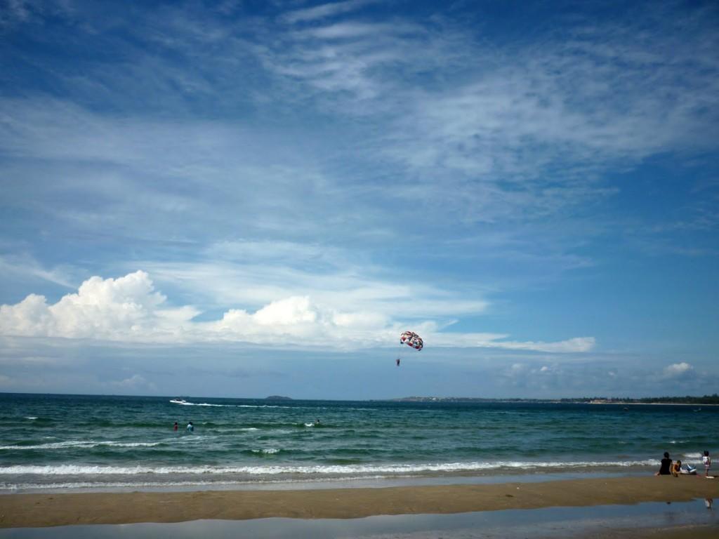 hon-rom-beach1