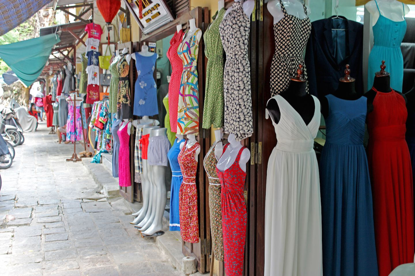 How to buy the best couture clothing in hoi an travel for Tailor made dress shirts