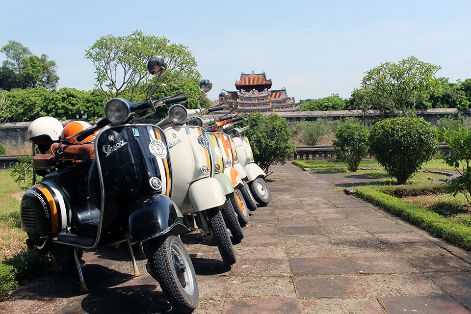 Vespa-Adventures-hoian