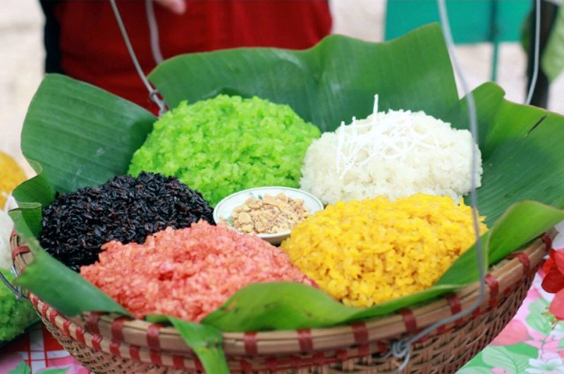 five color sticky rice Mai Chau food vietnam travel