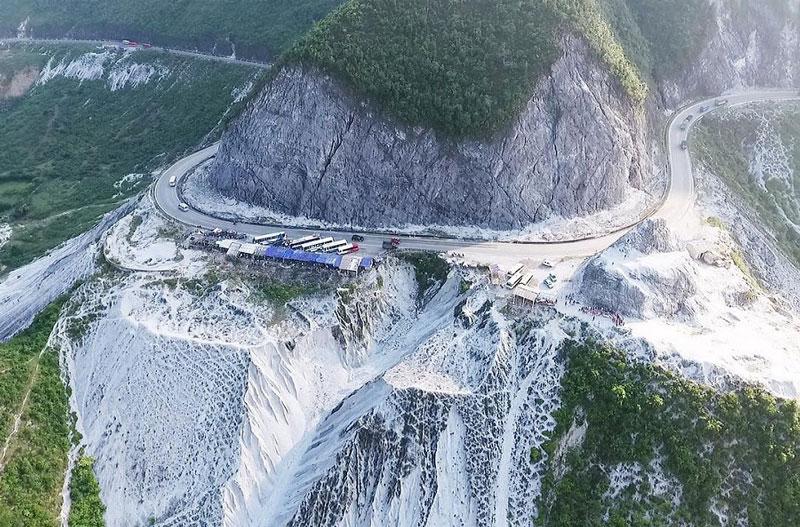 Thung-Khe-Pass-Mai-Chau-Vietnam-Travel